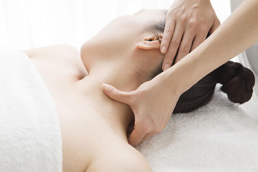 neck-manipulation-mobilisation-physio-tr
