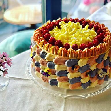 Himbeer Mascarpone Sponge Cake