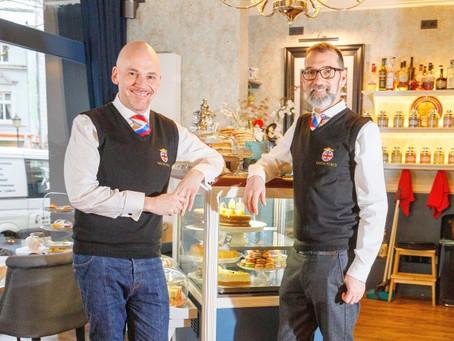 Artikel Abendblatt von Marlies Fischer: Tea Time mit der Queen in einem Lokal in Ottensen