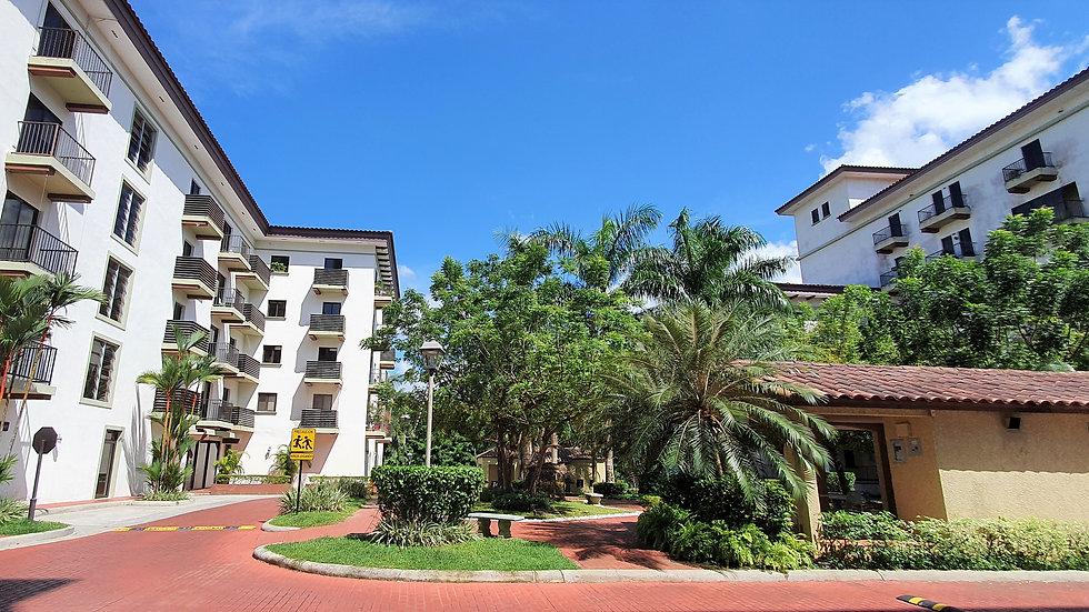 Albrook, Venta de Apartamento en Embassy Village a precio de oportunidad