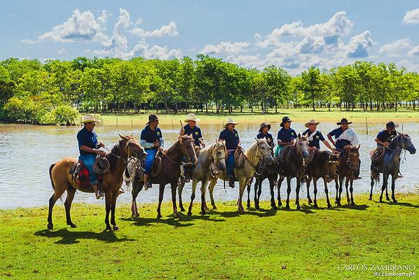 Cabalgata en el Encanto de Guanapalo