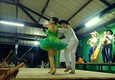 Joropo, baile típico Llanero (La Macarena, Colombia)