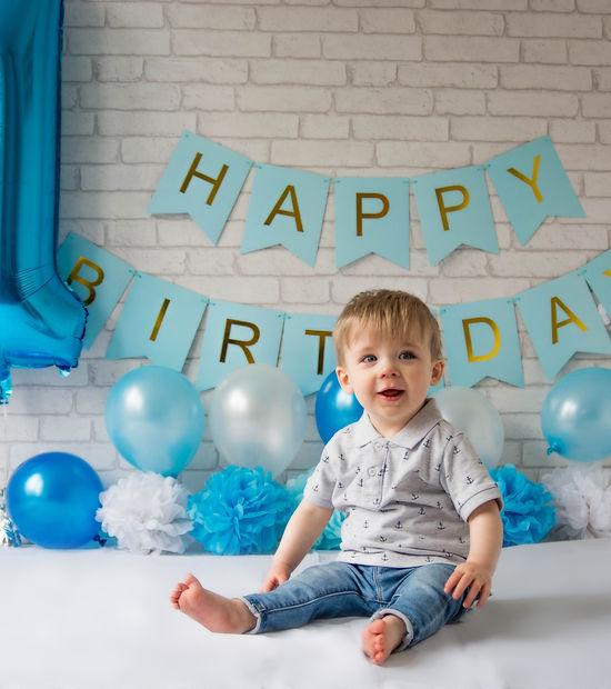 Childs first birthday cake smash.