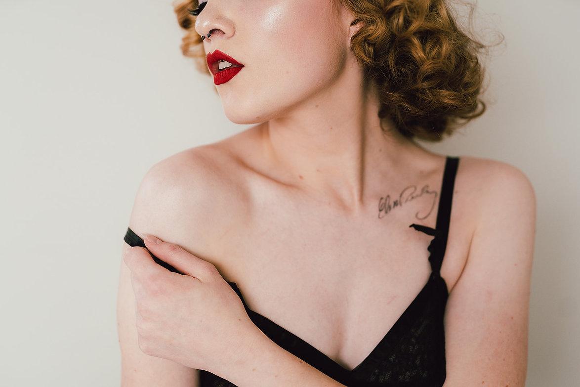 Nicole Boudoir-17.jpg