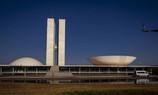 Governo e Congresso avaliam revisão do teto de gastos como alternativa para Auxílio Brasil de R$ 400
