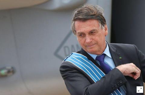 Bolsonaro defende investimento em cura para Covid-19 em vez de vacinas