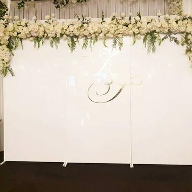 White Gloss wall 3m