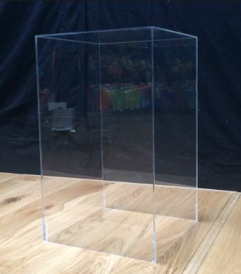 Clear Square cake table
