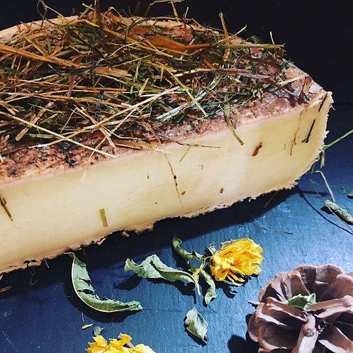 Tomme de Savoie au foin - 24,80 €/kg