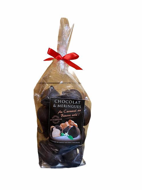 Meringues au caramel beurre salé enrobées de chocolat noir