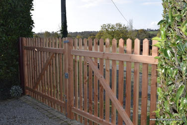 _heavy_palisade_driveway_gates_bretagne_