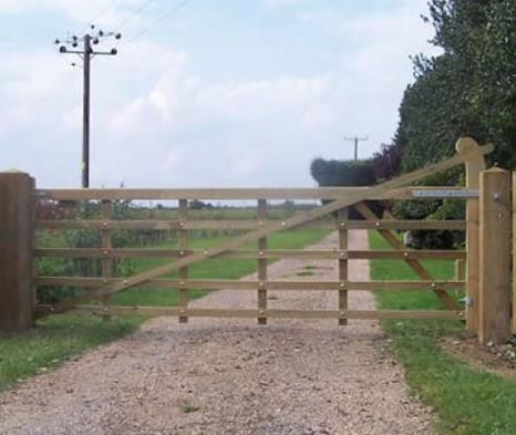Midsummer_Helved_Estate_Gate_Brittany_Bretagne_France