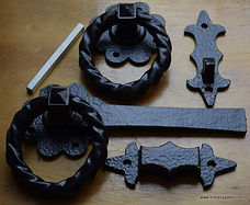 Antique style Heavy Ring Latch