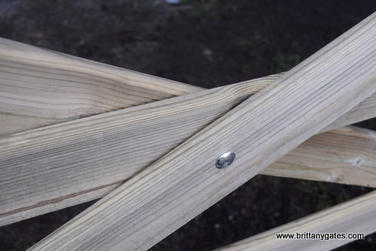 _class_4_pressure_treated_rounded_rails.