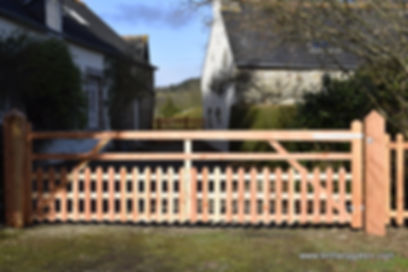 Midsummer Cottage Driveway Gate