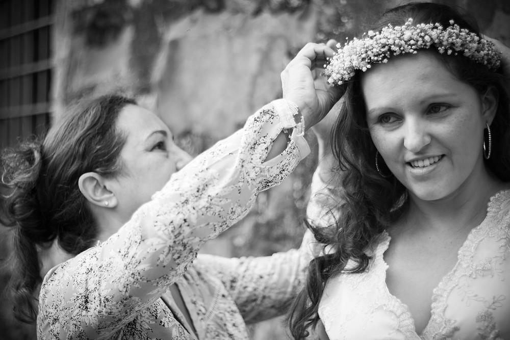 Mãe da noiva acompanhando o ensaio de casamento