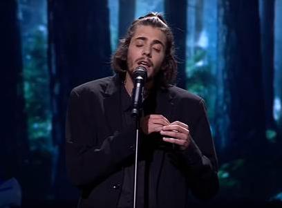 "Salvador Sobral ist mit ""Amar Pelos Dois"" der Gewinner des ESC 2017"