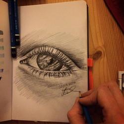 #eyeyeyeye 15minutes sketch of another eye pencil on paper _#eye#pencil#lumograph#sketch#15min#daily
