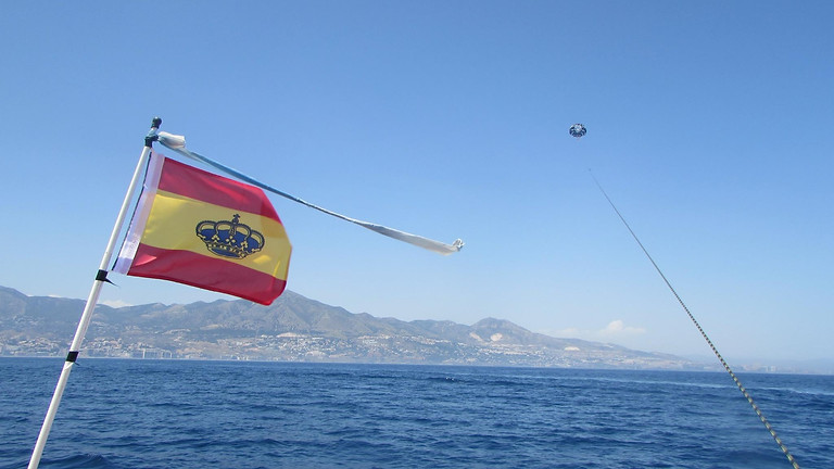 Parasailing: Premium Flight - Fuengirola, Spain