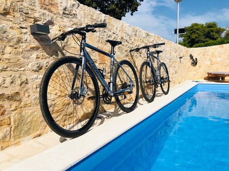 4 bicycles - free to use