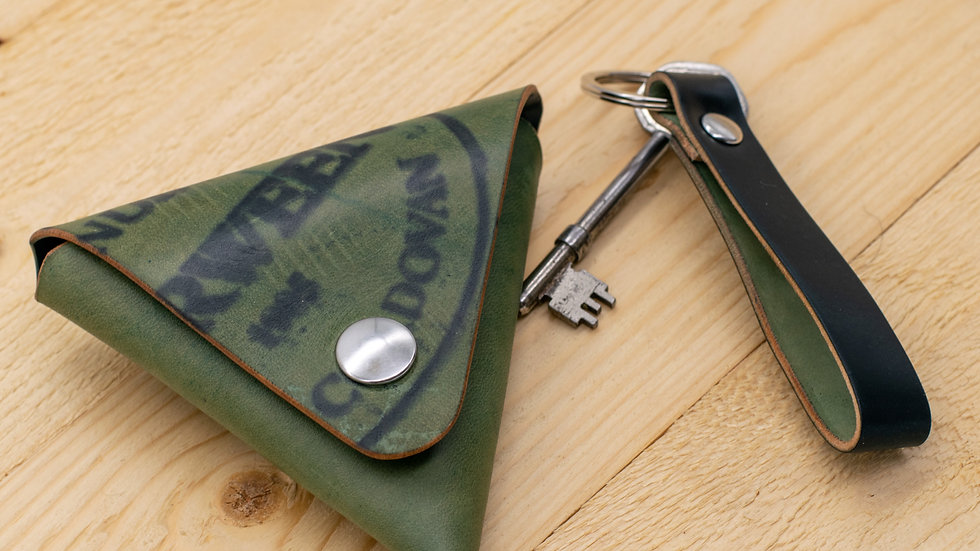 Triangle Coin Pouch and Keyring Set- Horween Shell Cordovan - Cash Holder