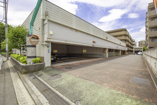 03.駐車場-min.jpg