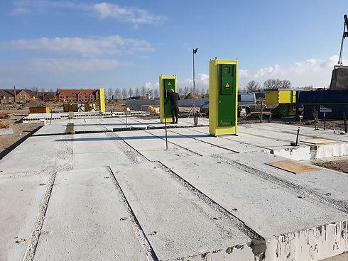 Installatie CEHEtech prefab meterkast op de bouwplaats