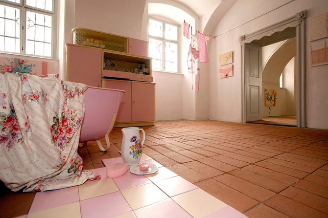 Baby Pink, 2009, interior, Castlegallery, Veszprem