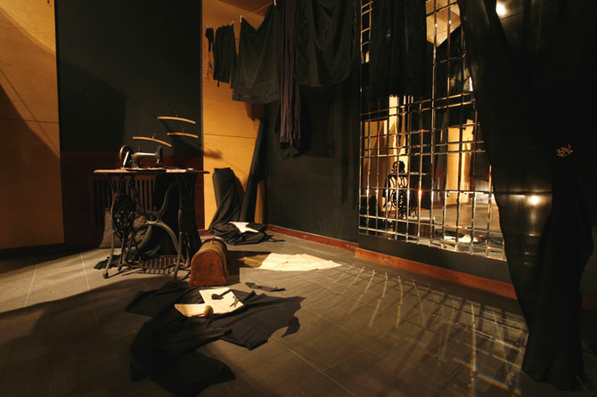 Black Widow, 2011, interior, Roham Gallery, Budapest
