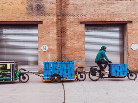 Un petit coup de pédale pour l'homme...mais un grand coup de pédale pour la logistique vélo !