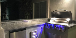 Open-Grill-Hood-Summerset-Sizzler-Pro-32-Inch-Blue-LED-Front-Panel-Lights