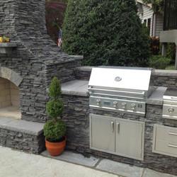 Summerset-outdoor-kitchen-600x600