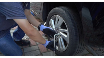 How to install a spare tyre?
