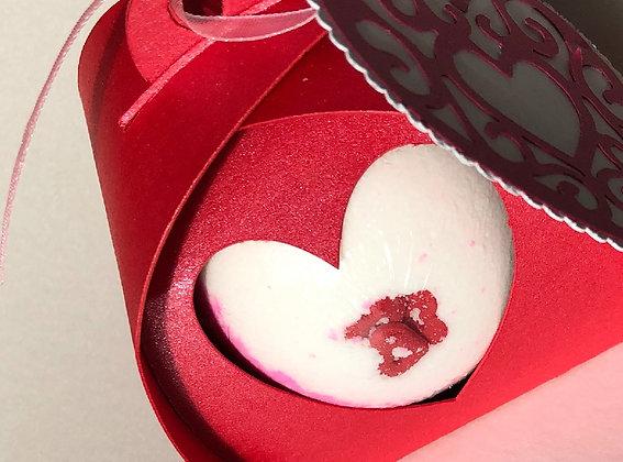 Cupid's Kiss Bath Bomb