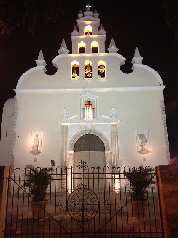 Casa Mexilio's Colonial neighborhood.