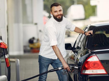 Como economizar combustível? 5 dicas simples para começar agora