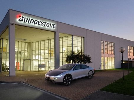 Conheça o pneu Bridgestone que vai equipar o Lightyear One