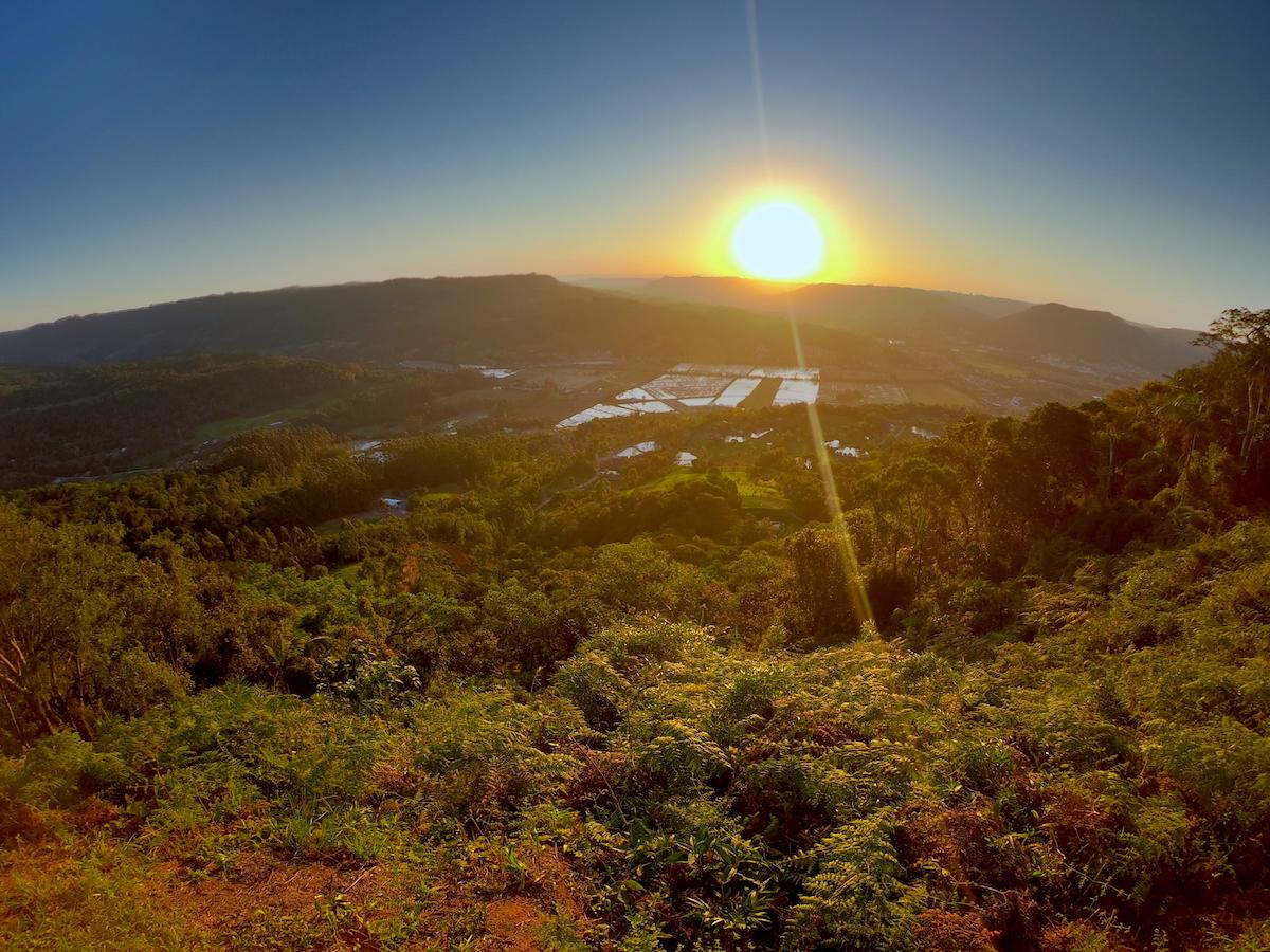 Por do sol rampo oeste Morro do Tschumi