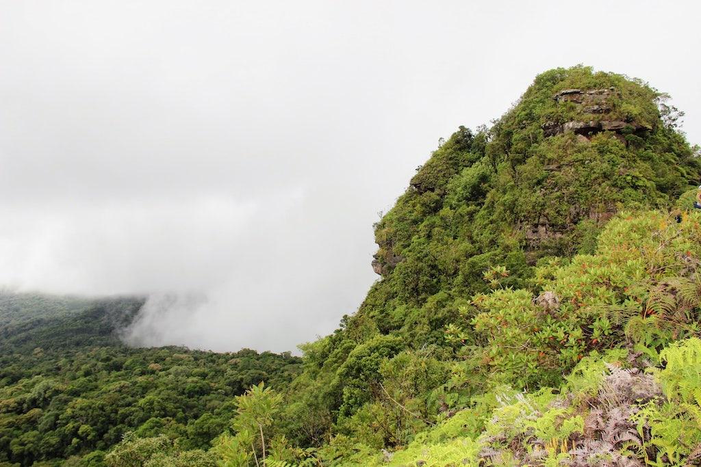 Vista parcial do Morro do Bicudo