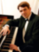 photo-1-valentin-schiedermair-piano-web.