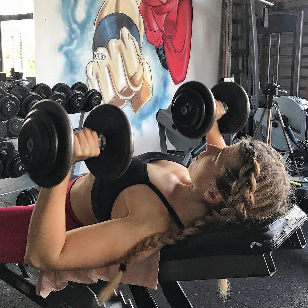 Bien débuter en musculation pour femme