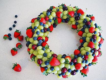 christmas-fruit-wreath.jpg
