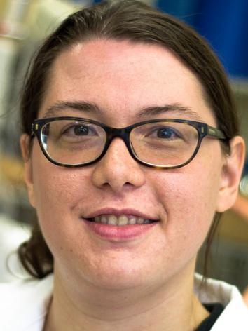 Elena Salvadeo   Ingénieur de recherche, PhD en chimie Curieuse par nature, Elena est passionnée par la chimie et sa contribution au progrès. Pendant ses études et sa thèse en chimie elle a approfondi les thématiques de la chimie bioinspirée et durable, avec ses applications dans le domaine de la catalyse. Ingénieur R&D chez Alysophil depuis Novembre 2018, elle travaille à la conception de procédés chimiques innovants en utilisant les atouts de la chimie en flux.