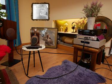 6moons Review: Artemis Headphone Amp