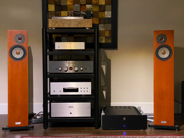 I have to admit that the Ares II and Pontus II really have an original way of presenting sound.