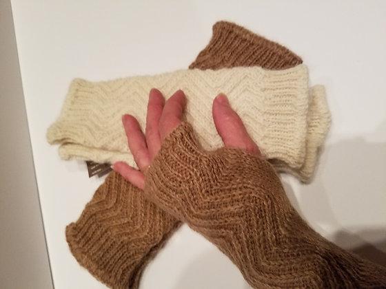 Zigzag wrist warmer