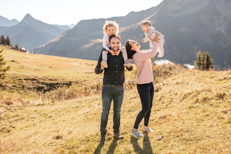 Familienfotos in den Bergen im Bregenzerwald