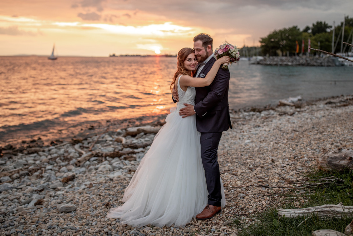 amazing wedding photos by the lake of constance in austria