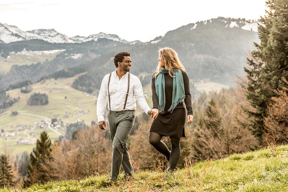 Paarfotos in den Vorarlberger Bergen