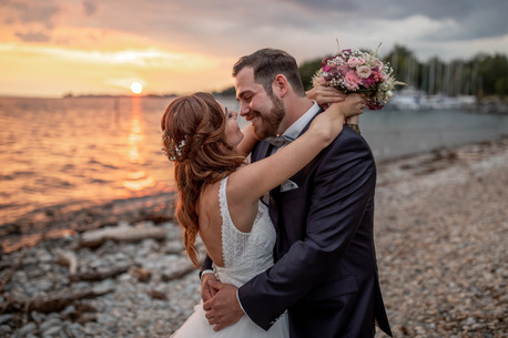 wedding photos by lake of constance in austria